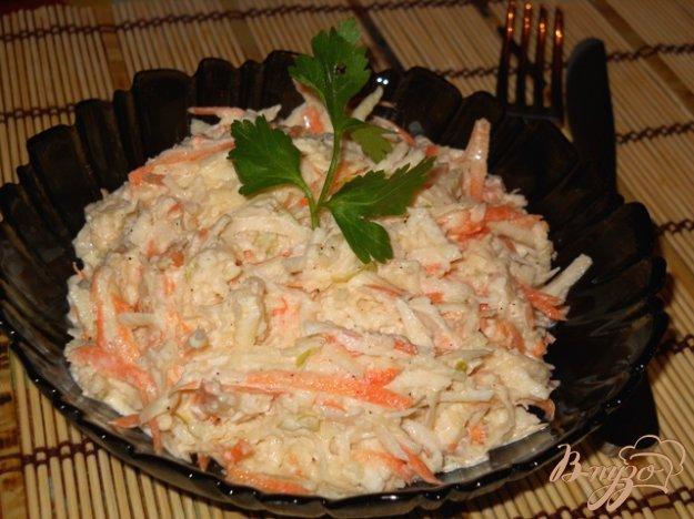 Рецепт Салат из белой редьки с сельдереем, яблоком и морковью
