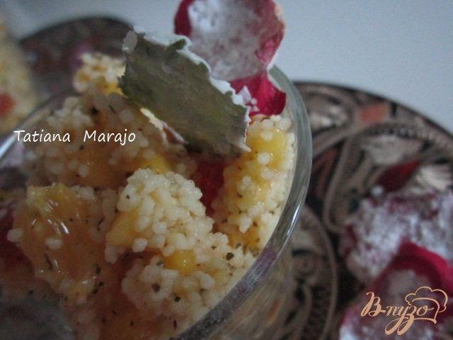 Фото приготовление рецепта: Фруктовый салат  с крупой кускус шаг №7