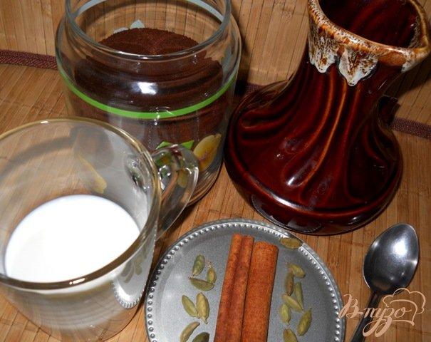 Фото приготовление рецепта: Пряный кофе с молоком шаг №1