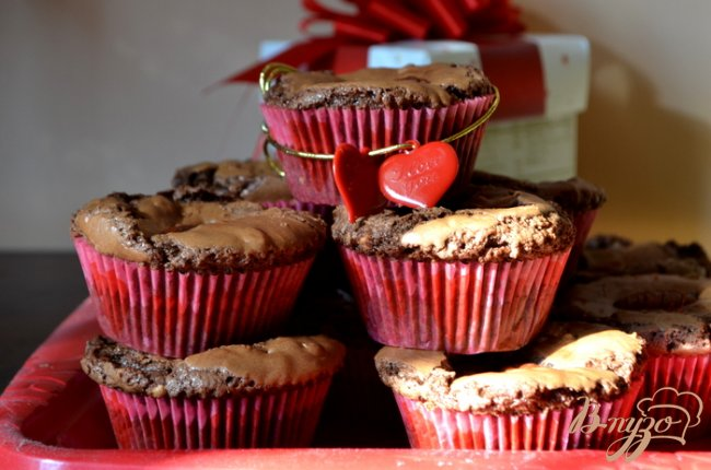 Фото приготовление рецепта: Брауни капкейки шаг №4