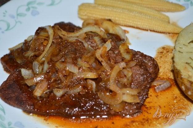 фото рецепта: Пряно-сладкие говяжьи стейки на сковороде