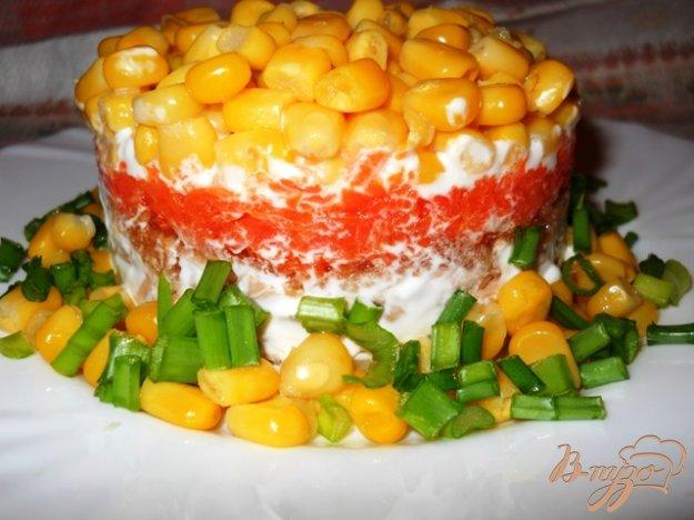 Рецепт Слоеный салат с тунцом и кукурузой