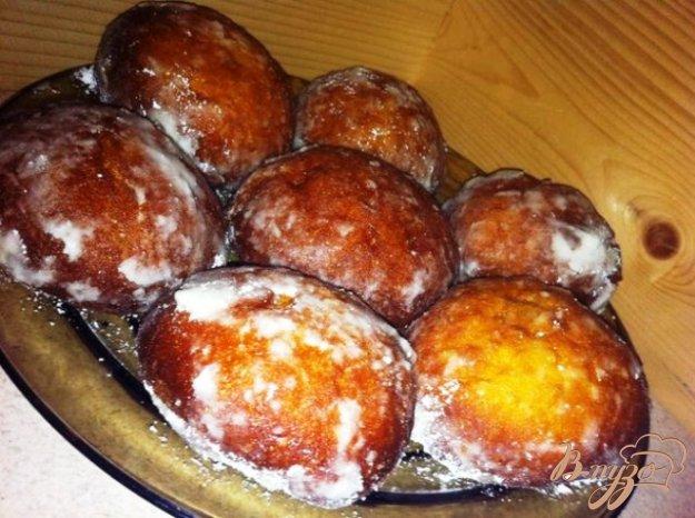 фото рецепта: Пончики с мармеладом из розы.