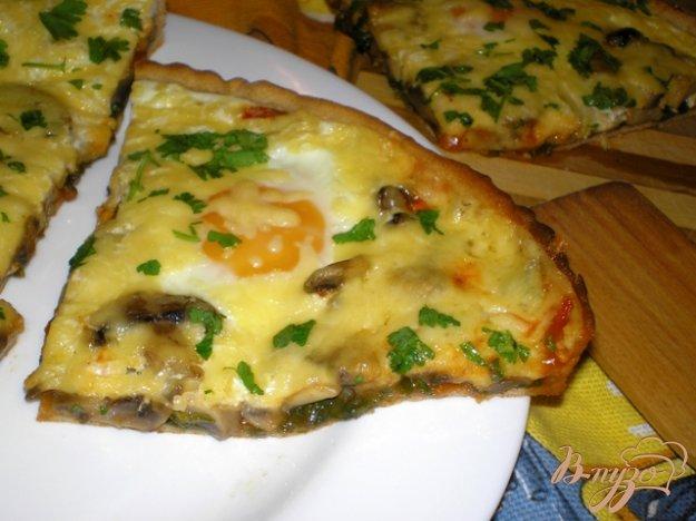 Рецепт Пицца с грибами, шпинатом и яйцами