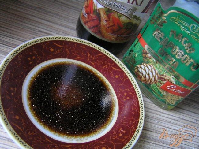 Фото приготовление рецепта: Салат с рисом, манго и креветками шаг №5