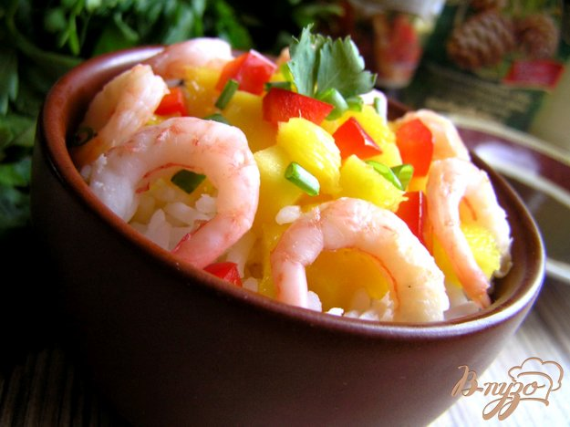 фото рецепта: Салат с рисом, манго и креветками