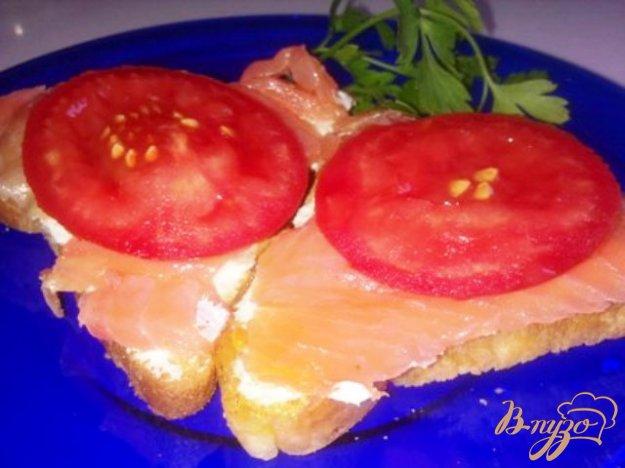 фото рецепта: Бутерброды с форелью и сливочным сыром