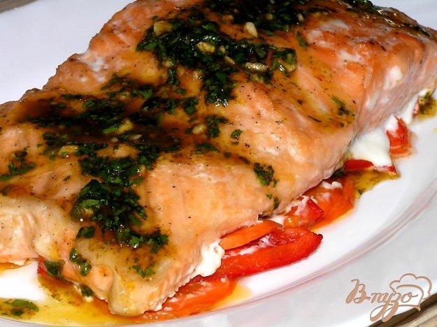 Рецепт Семга на овощной подушке с пикатным соусом