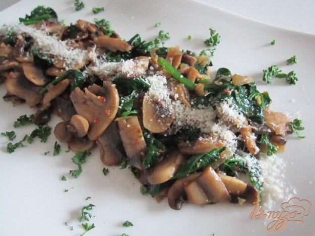 Рецепт Теплый салат из шампиньонов и шпината