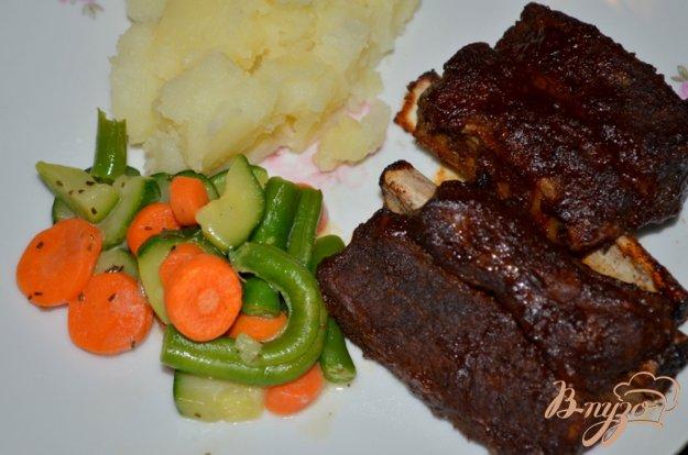 фото рецепта: Говяжьи ребра со специями в соусе барбекю
