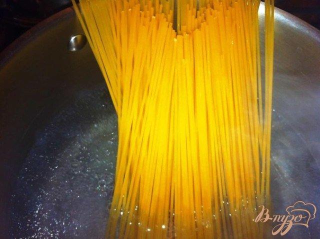 Фото приготовление рецепта: Паста а ля карбонара шаг №5