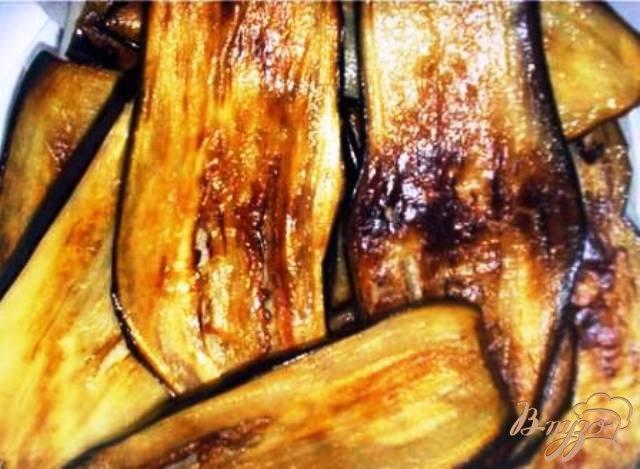 Фото приготовление рецепта: Рулетики из баклажан с пикантной морковью. шаг №4