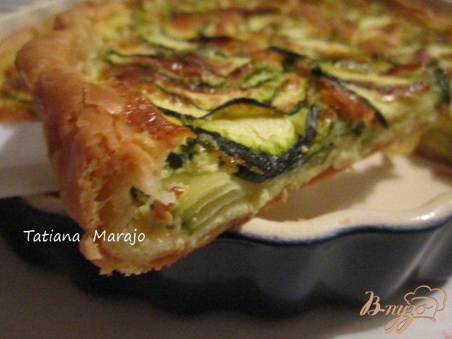 Фото приготовление рецепта: Открытый кабачковый пирог шаг №4