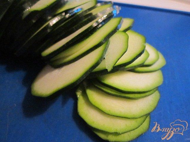 Фото приготовление рецепта: Открытый кабачковый пирог шаг №1