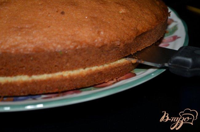 Фото приготовление рецепта: Торт с клубникой шаг №6