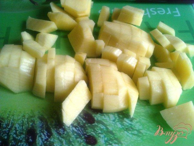 Фото приготовление рецепта: Суп-пюре из чечевицы с сыром и  копченой грудинкой. шаг №2
