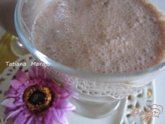 Фото приготовление рецепта: Шоколадный смузи шаг №3