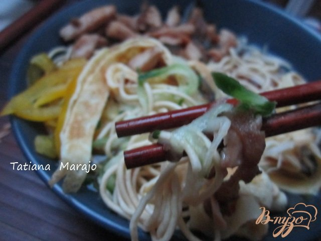 Фото приготовление рецепта: Кукси (корейский суп) шаг №11