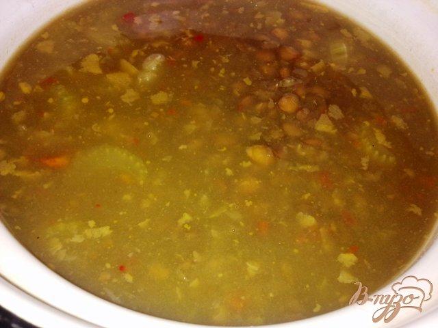 Фото приготовление рецепта: Суп из чечевицы по-венгерски шаг №4