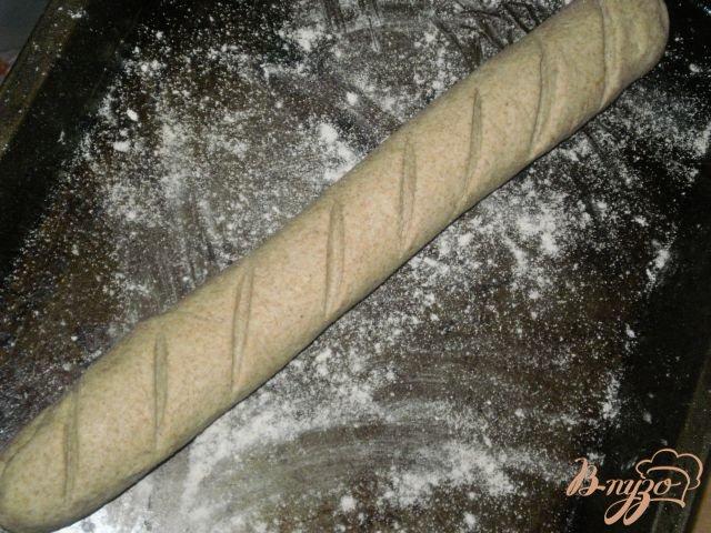 Фото приготовление рецепта: Багет из цельнозерновой муки шаг №5