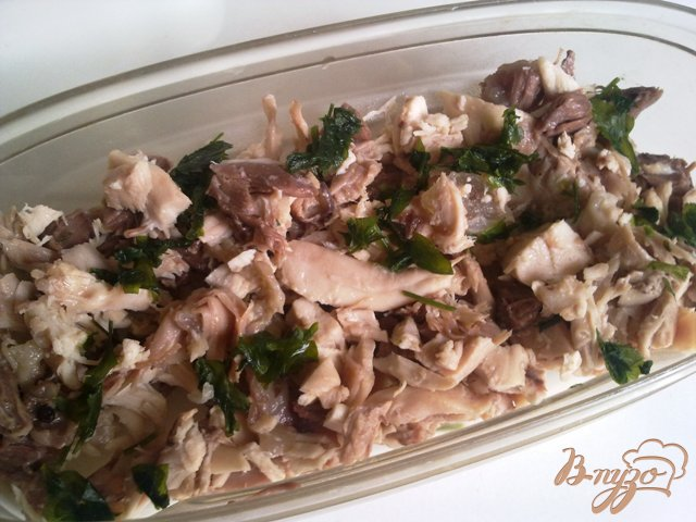 Фото приготовление рецепта: Холодец из курицы  и говядины. шаг №7