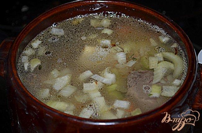 Фото приготовление рецепта: Суп с говяжьими ребрышками шаг №3