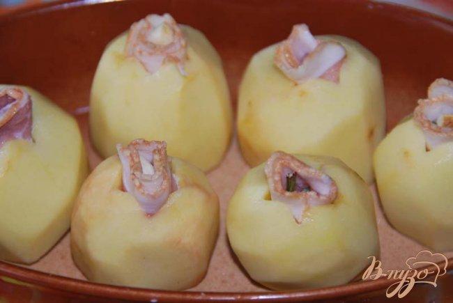 Фото приготовление рецепта: Картофель запечённый по Джейми Оливеру. шаг №3