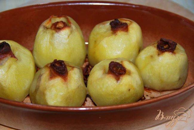 Фото приготовление рецепта: Картофель запечённый по Джейми Оливеру. шаг №5