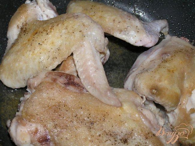 Фото приготовление рецепта: Курица, тушеная в мартини с зеленым горошком шаг №1