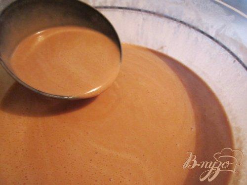 Шоколадные блины со сметанно-манговым соусом