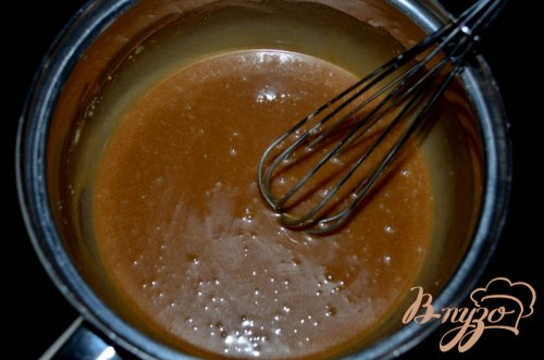Яблочный кекс с морковью и  глазурью пралине