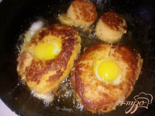 Завтрак из перепелиных яиц.