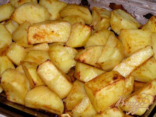 Запеченный картофель с чесноком и паприкой