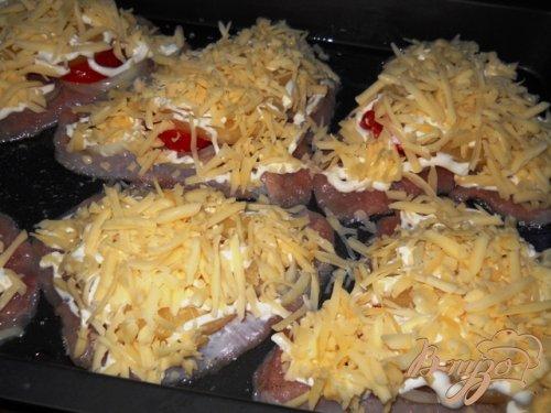 Индейка запеченная с ананасами под сырной корочкой