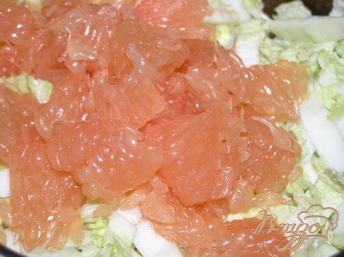 Салат из пекинской капусты и грейпфрута с горчичной заправкой
