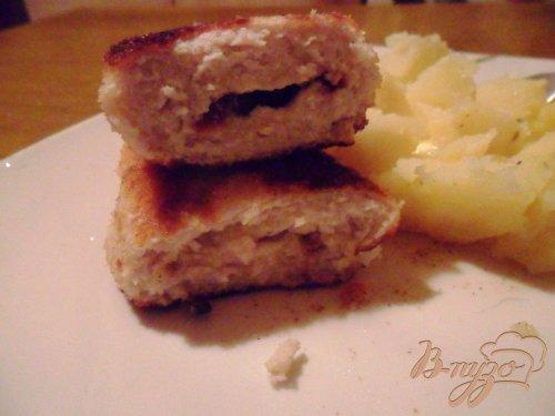 Молочные куриные зразы с моцареллой и вялеными томатами