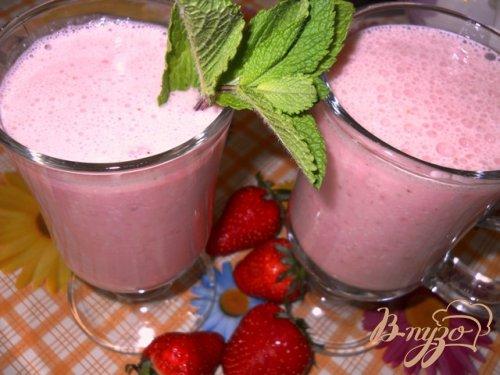 Клубнично-йогуртовый коктейль