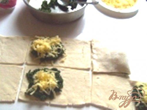 Слойки со шпинатом и сыром.