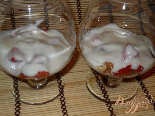 Десерт клубничный с йогуртом