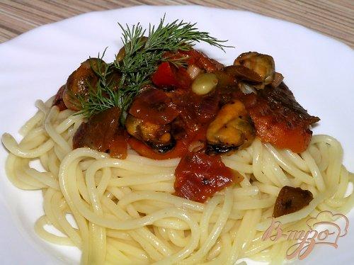Спагетти с мидиями и овощами