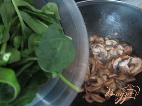 Теплый салат из шампиньонов и шпината