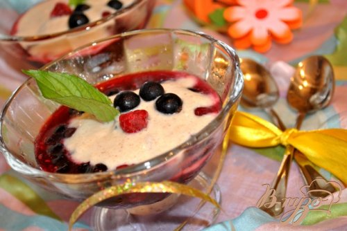 Десерт ягодный