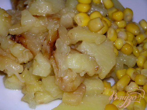 Жареный картофель с луком и чесноком