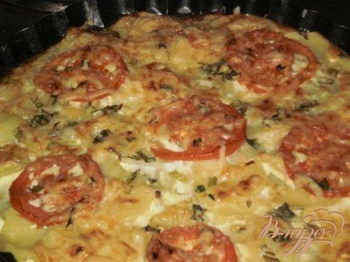 Картофель запеченный в духовке с помидорами
