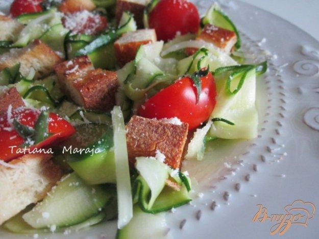 Рецепт Салат из цукини с крутонами