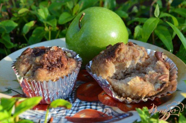 Фото приготовление рецепта: Яблочные маффины шаг №6