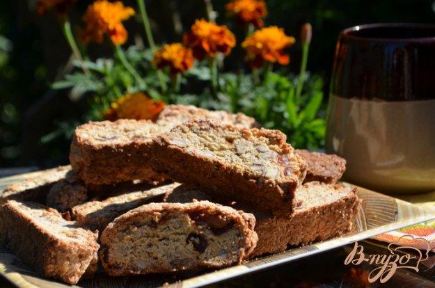 Рецепт Бискотти с финиками и орехами