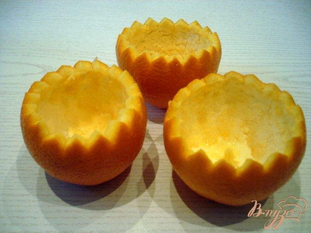 Фото приготовление рецепта: Десерт в апельсинах шаг №1
