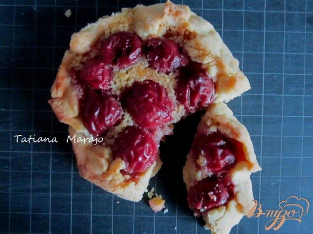 Рецепт Песочные корзинки с вишнями
