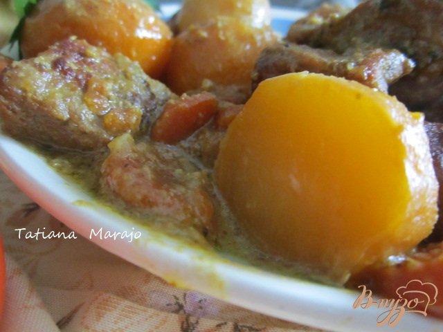 Фото приготовление рецепта: Свинина тушеная с овощами шаг №7